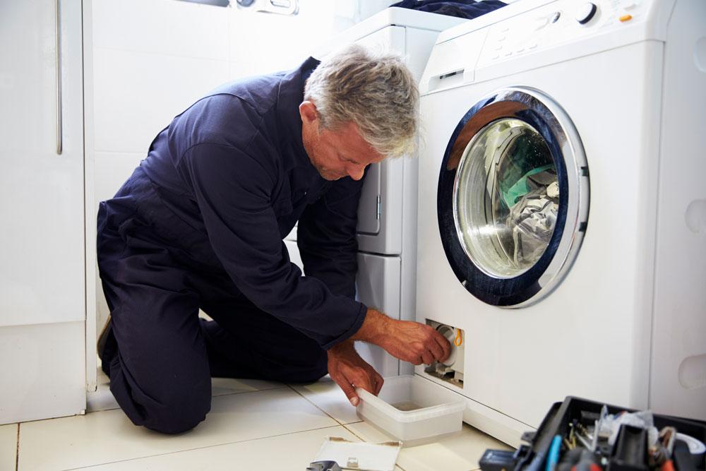 Dépannage électroménager : vidange d'une machine à laver